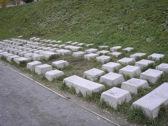QWERTY paminklas rusijoje